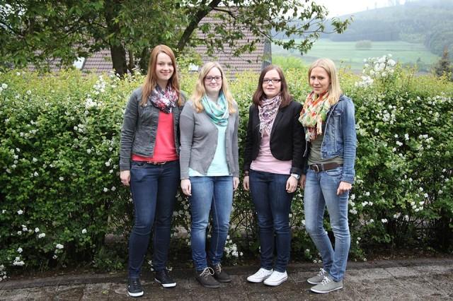 Linda Nagel, Luisa Götte, Elena Schmidt und Lisa Ortjohann stehen kurz vor dem Auslandspraktikum (Foto: BKBB | IS)