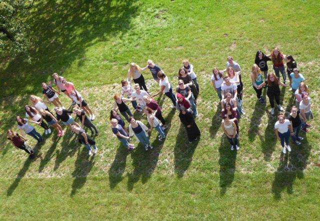 Schülerinnen und Schüler der Klassen Abi 11 Ge und Geso